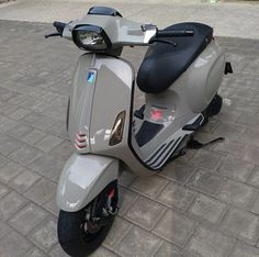A Vespa is a relatively straightforward vehicle. Vespa is among the well-known brands of the planet and has been a favourite selection of people Vespa 300, New Vespa, Vespa Sprint, Piaggio Vespa, Lambretta Scooter, Scooter Motorcycle, Bike, Vespa Tuning, Vespa Motor Scooters