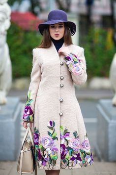 Iranian Women Fashion, Womens Fashion, Mode Tartan, Hijab Fashion, Fashion Dresses, Looks Chic, Embroidered Clothes, Embroidery Fashion, Coat Dress