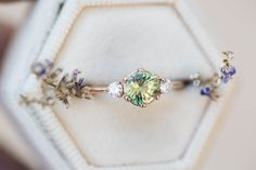 Green Sapphire Ring, Green Sapphire Engagement Ring, Sapphire Stone, Thing 1, Three Stone Rings, 14k Gold Ring, Ring Verlobung, Blue Rings, Piercing
