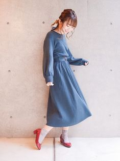 1枚で主役になってくれるワンピース👗 スカーフとの相性抜群! High Neck Dress, Shirt Dress, How To Wear, Shirts, Dresses, Fashion, Turtleneck Dress, Vestidos, Moda