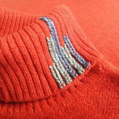 It's an embroidery technique that replicates knitting, which can be used to repair holes in knitwear or cover stains in… Textiles, Hand Knitting, Knitting Patterns, Embroidery Patterns, Stain On Clothes, Iron On Fabric, Visible Mending, Make Do And Mend, Techniques Couture