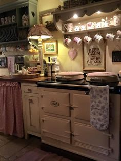 Shabby Chic Homes Archives - Cute Home Designs Aga Kitchen, Cosy Kitchen, Shabby Chic Kitchen, Shabby Chic Cottage, Vintage Kitchen, Kitchen Decor, Open Kitchen, Cottage Kitchens, Home Kitchens