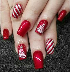 Nail art Christmas - the festive spirit on the nails. Over 70 creative ideas and tutorials - My Nails Fancy Nails, Cute Nails, Pretty Nails, Christmas Nail Art Designs, Holiday Nail Art, Christmas Design, Christmas Ideas, Christmas Gel Nails, Nail Design Spring