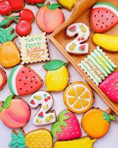 Fruit Cookies, Baby Cookies, Healthy Cookies, Sugar Cookies, Fruit Birthday, 2nd Birthday, Tutti Fruity Party, Cupcake Cakes, Cupcakes