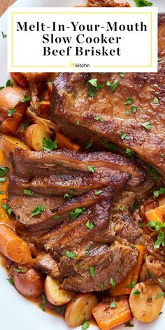 Preparation of classic beef brisket in the slow cooker - beef brisket slow . - Preparation of classic beef brisket in a slow cooker – beef brisk slow cooker recipe Meat Recipes, Slow Cooker Recipes, Cooking Recipes, Slow Cooker Dinners, Healthy Slow Cooker, Oven Recipes, Salmon Recipes, Recipes Dinner, Recipies