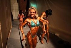 The Types of BodyBuilding for Women - Beautiful Body Building Bodybuilding Competition, Fitness Competition, Bodybuilding Training, Bodybuilding Motivation, Health Fitness Quotes, Health And Fitness Tips, Natural Female Bodybuilders, Women Bodybuilders, Bodybuilding For Beginners