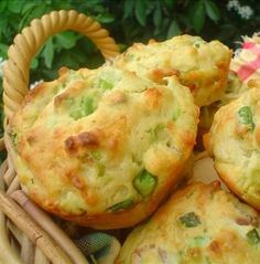 Recipe For Avocado and Bacon Muffins - These muffins go well with breakfast or soup for an easy meal, or make mini ones and serve as finger food!