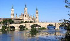 Basílica del Pilar de Zaragoza - Puente de Piedra sobre el Río Ebro