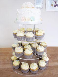 Vintage style wedding cakes uk