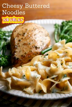 Cheesy Buttered Noodles made with No Yolks Egg Noodles I Love Food, Good Food, Yummy Food, Tasty, Pasta Dishes, Food Dishes, Side Dishes, Potluck Dishes, Healthy Dishes