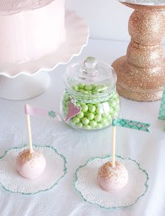 Pink, mint and gold inspiration for an organic and all natural sweet table Lucky To Have You, Biscuit Cake, St Patricks Day, St Pattys, Sweet 16 Birthday, Gold Party, Cake Pops, Holiday Fun, Pink And Gold