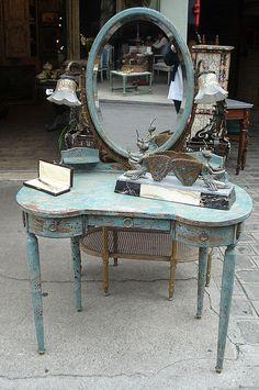 lovely Paris Flea Market vanity