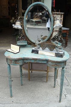 lovely Paris Flea Market vanity