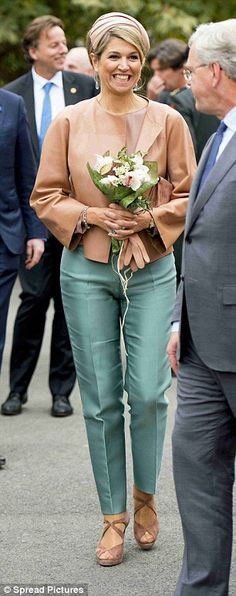 Maxima looked appropriately elegant for the visit...