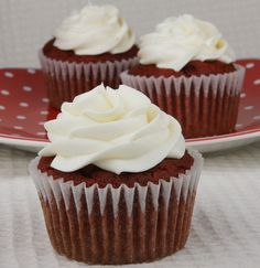 Gluten- Free Red Velvet Cupcakes (& 5 Things I've Learned From My Mom)