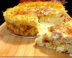 Quiche with hashbrown crust
