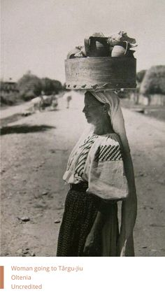 Woman going to Târgu-Jiu, Oltenia, Romania - Uncredited Old Time Photos, Extraordinary People, Folk Costume, World Cultures, Vintage Photography, Romania, The Past, Around The Worlds, Black And White