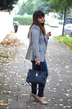 Python pumps - Calvin Klein | Blue bag: Michael Kors | www.thecurvyshome.com
