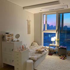 Room Design Bedroom, Room Ideas Bedroom, Bedroom Decor, Korean Bedroom Ideas, Study Room Decor, Minimalist Room, Aesthetic Room Decor, Cozy Room, Dream Rooms