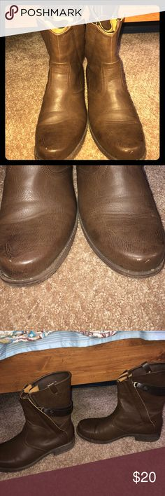 Brown boots Women's brown ankle boots. Size 8.5. Only a tiny bit of wear to toes (see photos). Zip up in back with cute embellishments. eureka Shoes Ankle Boots & Booties