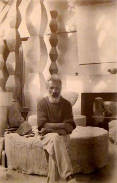 Constantin Brancusi, Artist and Sculptor. Self-portrait of Constantin Brancusi, taken in the studio in Portrait Sculpture, Sculpture Art, Artist Art, Artist At Work, Famous Artists, Great Artists, Brancusi Sculpture, Constantin Brancusi, Modern Art