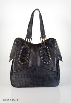 shopbop giveaway on le blog!  new house of harlow bag...  http://www.thebeautyfile.com