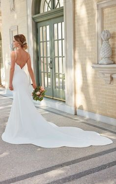 Country Wedding Dresses 7069 Minimalist Wedding Dress with Scalloped Train by Stella York.Country Wedding Dresses 7069 Minimalist Wedding Dress with Scalloped Train by Stella York How To Dress For A Wedding, Wedding Dresses For Girls, Country Wedding Dresses, Designer Wedding Dresses, Bride Dresses, Modest Wedding, Beach Dresses, Bridal Gowns, Wedding Gowns