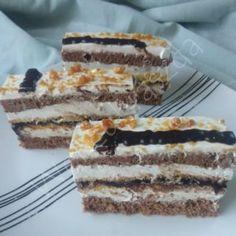 Kakaós nápolyi szelet Tiramisu, Ethnic Recipes, Food, Caramel, Essen, Meals, Tiramisu Cake, Yemek, Eten