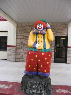 1. The Klown Doll Museum, Plainview