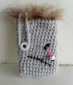 Zombie Phone Case - free crochet pattern