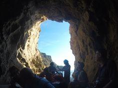 In gommone nelle grotte di #Capraia #isoletoscane