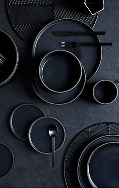 Japanese-inspired ceramics set the table with eclectic style. Deep matte black glaze coats dark clay stoneware, revealing itself along rims and handles. Such fine detailing adds texture and a hand-touched feel. Black Dinnerware, Modern Dinnerware, Dinnerware Sets, Clay Mugs, Ceramic Tableware, Kitchenware, Dish Sets, Placemat Sets, Affordable Home Decor