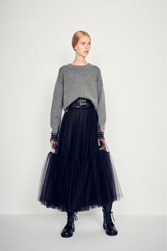 55 Ideas Skirt Tulle Dior For 2019 Dior Fashion, Grey Fashion, Love Fashion, Autumn Fashion, Womens Fashion, Club Fashion, 1950s Fashion, Mode Outfits, Skirt Outfits