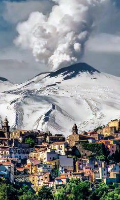 Active Volcano, Sicily Italy, Mount Rainier, Mount Everest, Fields, Mountains, Travel, Castles, Italia