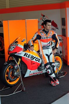 Dani Pedrosa Moto Bike, Motorcycle Bike, Fast Go Karts, Raiders, Bike Suit, Custom Sport Bikes, Honda Bikes, Racing Motorcycles, Valentino Rossi