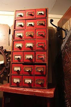 Библиотечный шкаф-каталог