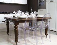 Arredare con mobili antichi e moderni - Sedie e tavolo dagli stili ...