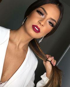 Bright brown silver makeup