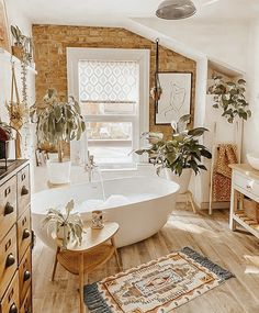 Modern Bathroom Decor, Bathroom Interior Design, Small Bathroom, Cozy Bathroom, Bathroom Designs, Bathroom Ideas, Bathroom Vintage, Bathroom Black, Classic Bathroom