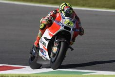 Iannone põe Ducati na pole em Mugello. Márquez tem pior grid na MotoGP Andrea Iannone, Grid, Ducati Motor, Motogp, Motorcycle, Vehicles, Blog, Hs Sports, Biking