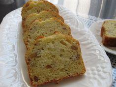 《サラダオイルでバナナケーキ》 by ともこキッチン [クックパッド] 材料(小パウンド2本)バナナ2本/サラダ油90g/砂糖100g/卵2個/薄力粉160g/BP小2/オプションでラム酒大2、クルミ20-40g、ココア大1 ※170℃で35分焼く ※砂糖は70gくらいでいいと思う http://cookpad.com/recipe/953745