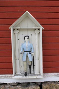 Kortesjärven kirkko, vaivaisukko Grave Monuments, Finland, Folk Art, Carving, Bird, Wooden Sculptures, Outdoor Decor, Graveyards, Cathedrals