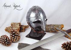 Ascuas Negras by AscuasNegras Chainmail Armor, Larp Armor, Costume Armour, Viking Helmet, Custom Helmets, Shoulder Armor, Armors, Vikings, Celtic
