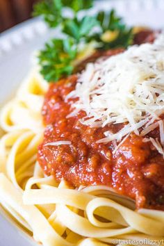 Healthy Homemade Spaghetti Sauce recipe has no added sugar! It's meaty, thick, full of Italian flavor and great served over traditional pasta or spaghetti squash for a low-carb meal. Paleo and Whole 30 if served with spaghetti squash. Healthy Spaghetti Sauce, Homemade Spaghetti Sauce, Homemade Sauce, Homemade Pasta, Sauce Recipes, Pasta Recipes, Dinner Recipes, Cooking Recipes, Pasta Sauces