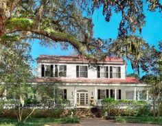 10 Homes Throughout History : HGTV FrontDoor Real Estate @ http://www.frontdoor.com/buy/10-homes-throughout-history/55553/p1