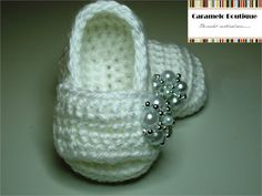 Baby Girl Shoes with Pearls. Yes please!