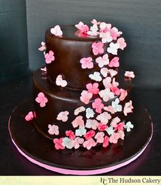 Chocolate and Pink Sugar Hydrangea Wedding Cake (via @Jennifer Bunce at The Hudson Cakery) #pinparty