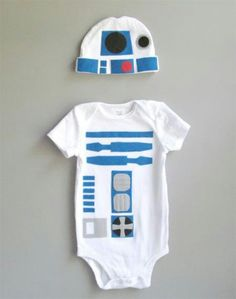 Baby Noa, time to get your geek on! Toddler Costume Star Wars Baby Clothes by TheWishingElephant. , via Etsy. Funny Babies, Cute Babies, Baby Kids, Baby Baby, Cute Onesies For Babies, Baby Outfits, Star Wars Onesie, Costume Robot, Kids Fashion