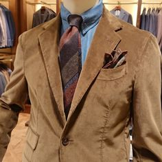 Mature Mens Fashion, Tweed Run, Brown Corduroy Jacket, Brown Suits, Kingsman, Gentleman Style, Smart Casual, Cool Suits, Mens Suits