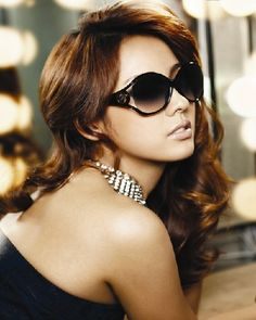 These contemporary sunglasses have a wonderful frame. They also have a nice and tough body. The summer sun wants you to adorn your face the best accessories that compliment your face. What better way to do that than by throwing on a pair of the best polarized sunglasses for women?